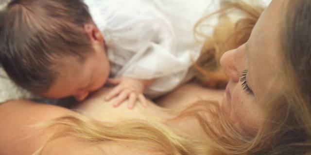 Allattamento al seno: l'ideale è iniziare subito dopo il parto