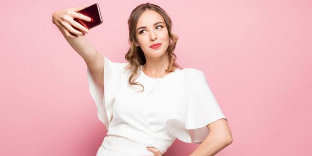 Vuoi migliorare l'umore? Fatti un selfie
