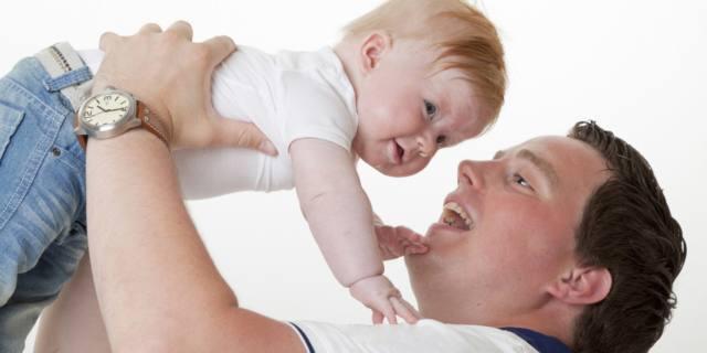 Bimbi obesi: è tutta colpa del papà