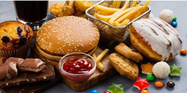 Cuore e arterie sotto stress quando il cibo è super grasso