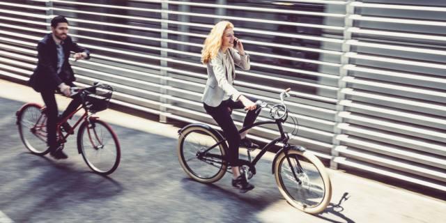 Contro il mal di schiena al lavoro in bicicletta