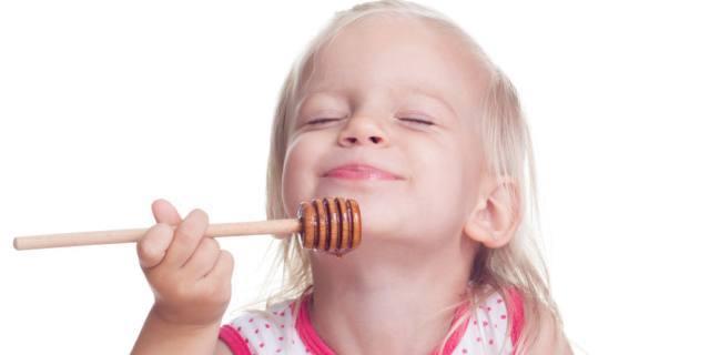 Contro la tosse del bambino via libera al miele