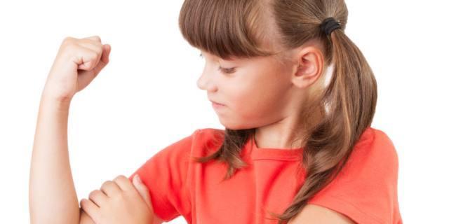 Con la vitamina D bambine braccio di ferro