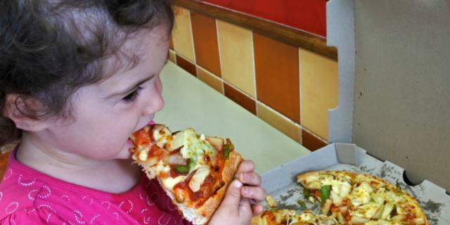 """Sovrappeso infantile: """"cieche"""" nove mamme su dieci"""