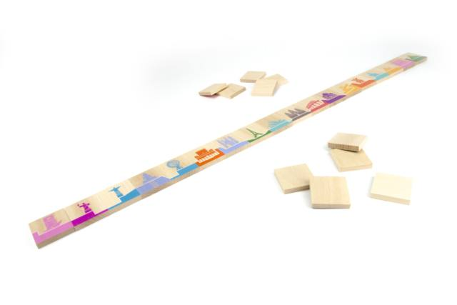 globe-trotter dominoes toy