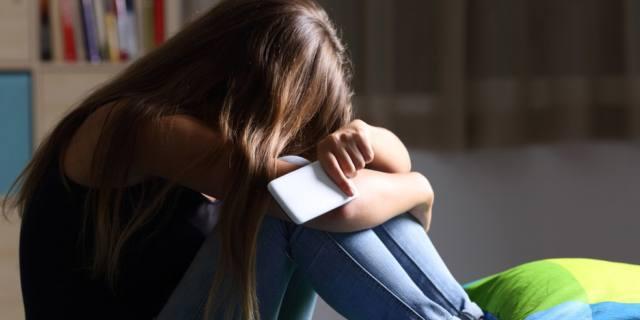 Infanzia depressa per colpa di scuola e social