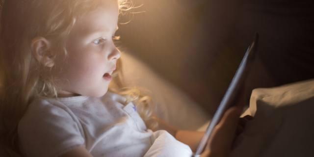 Tablet & co: non più di due ore al giorno per i bambini