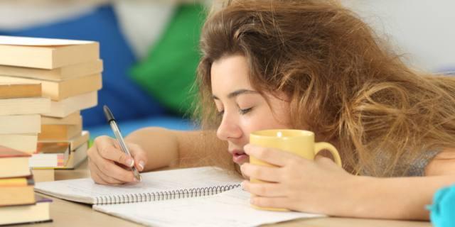 Mancanza di sonno crea dipendenza, disturbi mentali e incidenti anche tra gli adolescenti