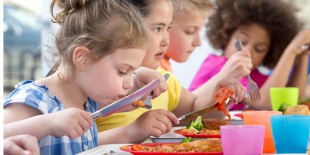 Obesità infantile: si previene con 5 pasti al giorno