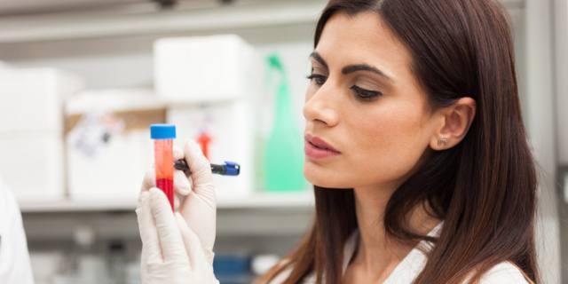 Tumore alle ovaie: c'è un nuovo esame del sangue per la diagnosi