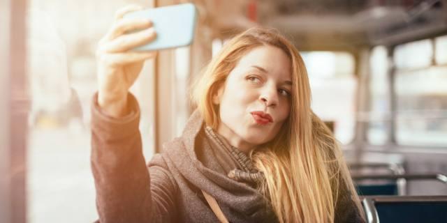 Selfie: troppi sono un segnale di narcisismo?