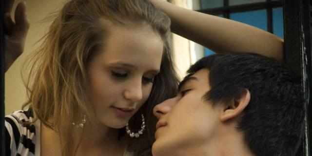 Malattie a trasmissione sessuale in aumento tra i giovani: serve più informazione