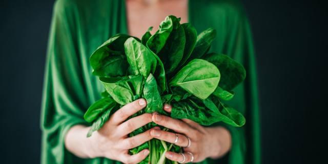 Steatosi epatica: un aiuto dalle verdure a foglia verde