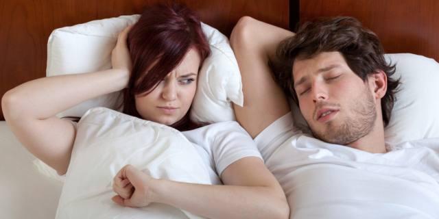 Con il cuscino intelligente non senti più russare