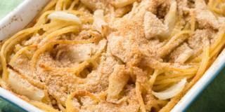 Spaghetti con finocchi e pangrattato