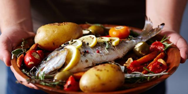 10 buone ragioni per mangiare il pesce almeno due volte alla settimana