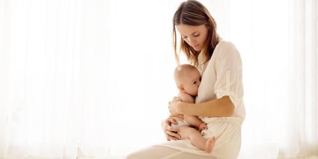 Tumore al seno: gravidanze e allattamento riducono il rischio