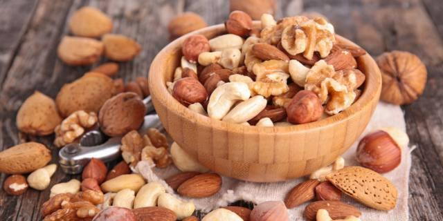 Frutta secca, toccasana per il cuore dei diabetici