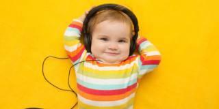 Musica da piccoli: stimola il linguaggio e combatte la dislessia