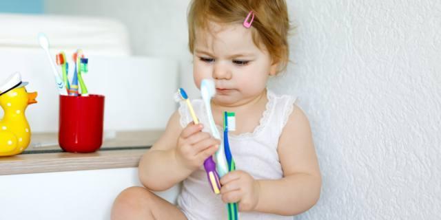 Problemi ai denti per un bambino su due