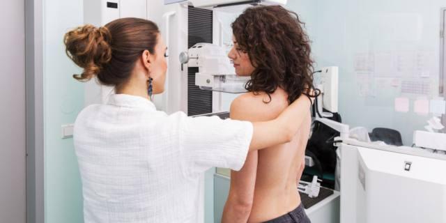 Mammografia in Italia: quasi la metà delle donne non la esegue