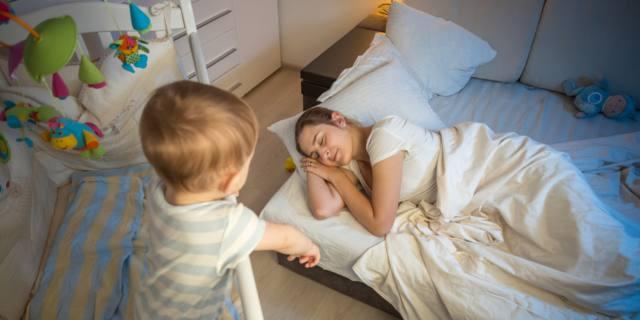 Sonno delle donne: vigile e… non riposante