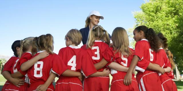 Lo sport di squadra migliora l'umore degli adolescenti