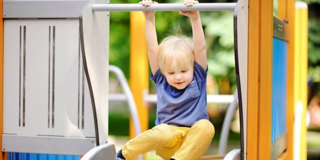 Tanto gioco e poca tv: così si protegge la salute dei bimbi