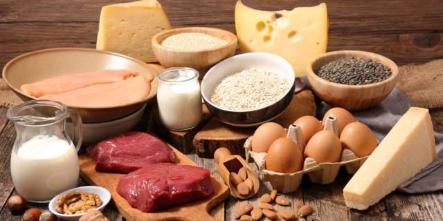 Proteine a tavola: meglio non esagerare