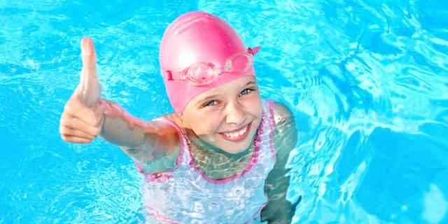 Compiti per le vacanze? Meglio i corsi di nuoto