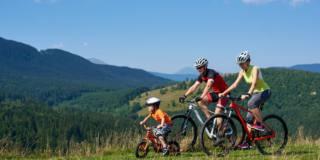 In bicicletta, il decalogo per evitare gli infortuni