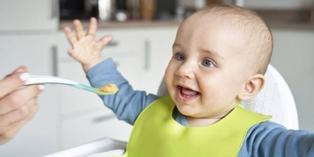 Troppi zuccheri negli alimenti per bambini