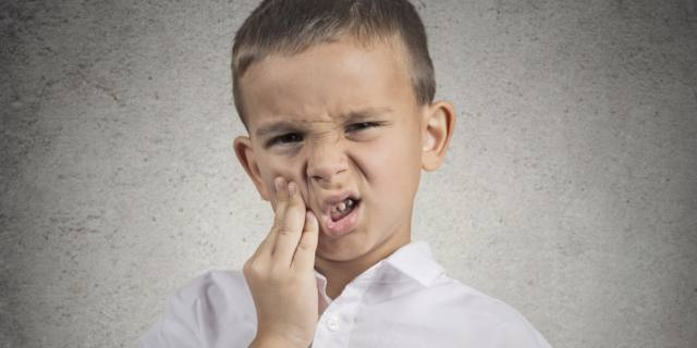 Tumore alla bocca: tra le cause anche le carie dentali