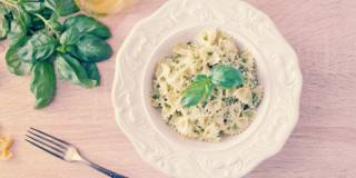 Pasta con ricotta e basilico