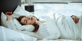Apnee notturne: rischiose per cuore e cervello
