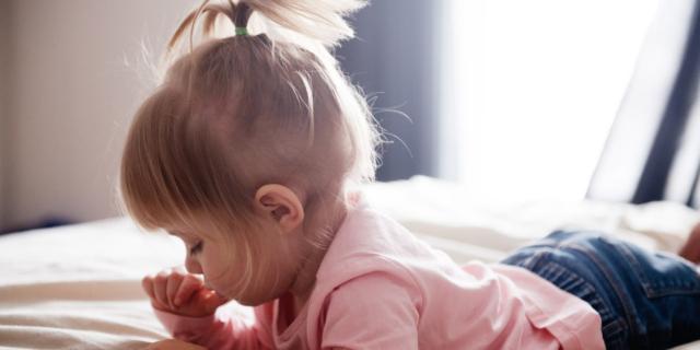 No al cellulare baby sitter. Allerta dei pediatri