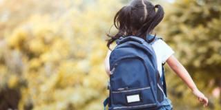 Mal di schiena nei bambini: quando è colpa dello zaino