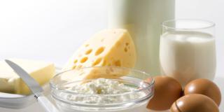 Salute del cuore: assolti uova, latte intero e formaggio