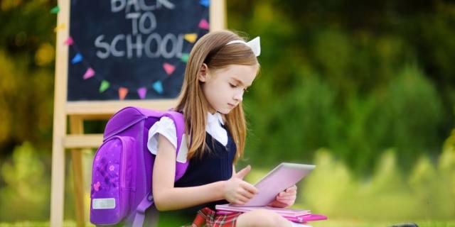 Zaini e tablet: 10 regole per una postura corretta a scuola