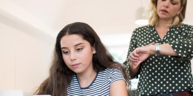 Smartphone ai ragazzi: 7 regole (per i genitori) per uso consapevole