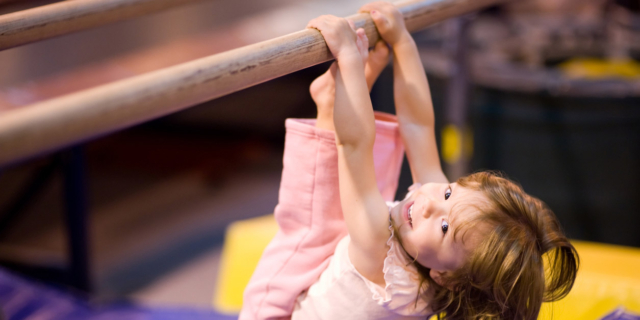 Obesità infantile già dai quattro anni aumenta il rischio ipertensione
