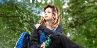 Dipendenze giovanili: fanno paura cannabis, alcol e gioco d'azzardo