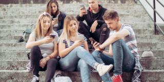 Internet: l'abuso negli studenti riduce la capacità creativa e porta all'isolamento