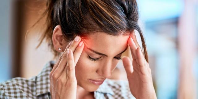 Mal di testa: le donne sono più colpite, ma si curano meno