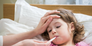 Meningite: rischi maggiori per bambini e adolescenti