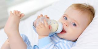 Salmonella dal latte in polvere? La corretta preparazione riduce il rischio