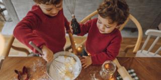 Cucinare con i bambini: educativo e divertente