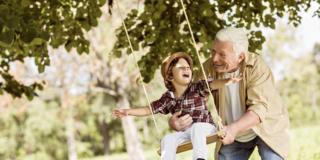 Covid-19: i bambini possono trasmetterlo, serve prudenza