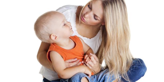 Perché il bebè vuole solo la mamma?