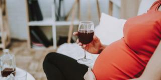 Alcol in gravidanza, rischio di aborto in notevole aumento